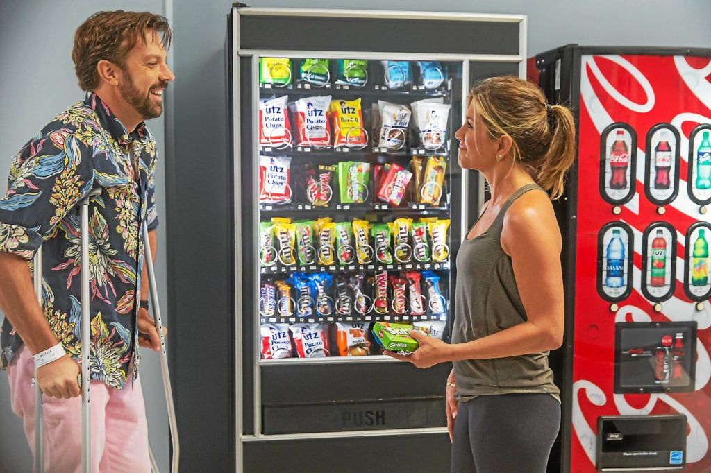 "PHOTO BY RON BATZDORFF/OPEN ROAD FILMS Jason Sudeikis and Jennifer Aniston in ""Mother's Day"" directed by Garry Marshall and also starring Kate Hudson, Julia Roberts, Britt Robertson, Timothy Olyphant and Hector Elizondo"