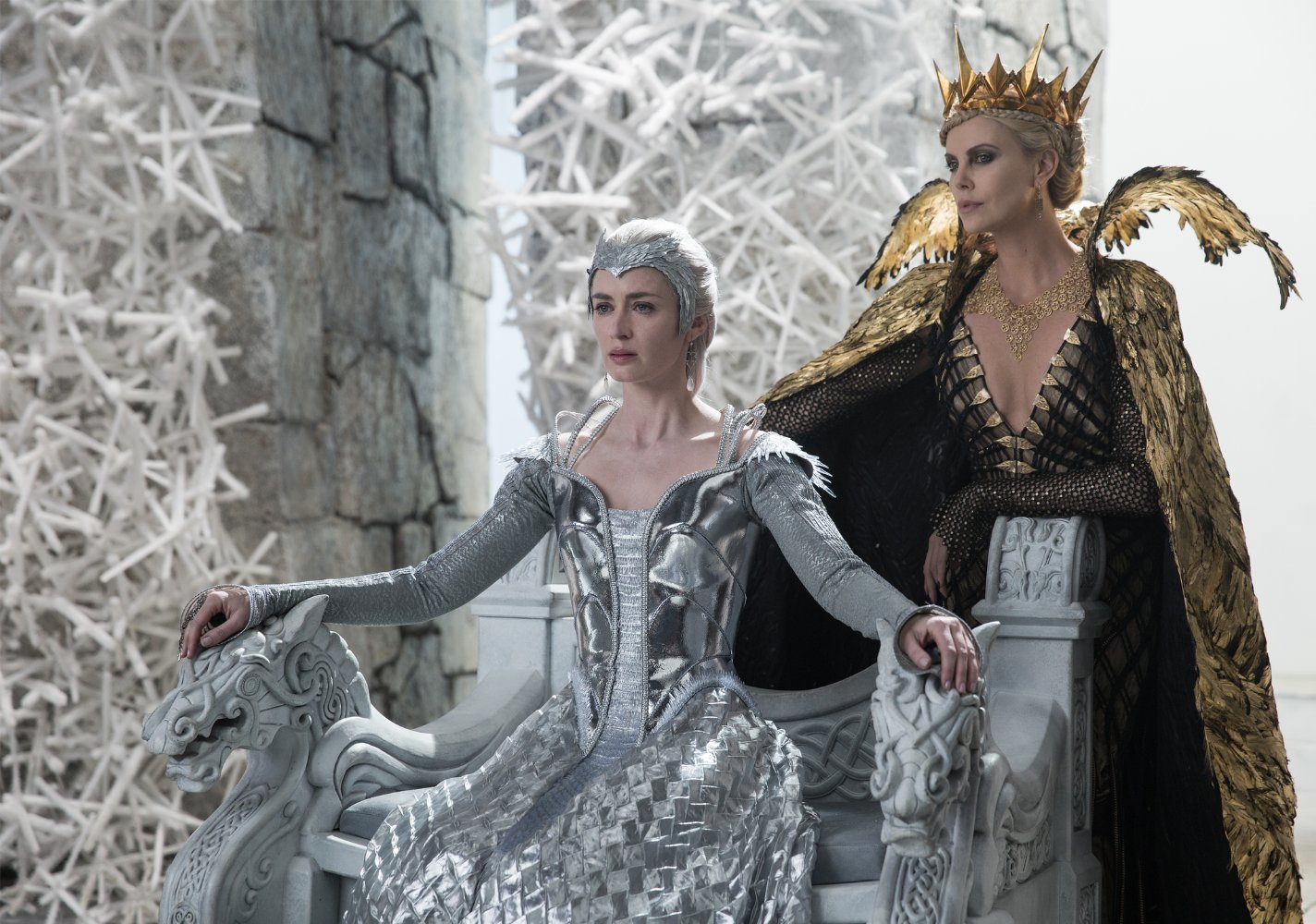 Emily Blunt and Charlize Theron in The Huntsman: Winter's War