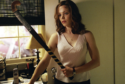 Rachel McAdams in RED EYE (2005).