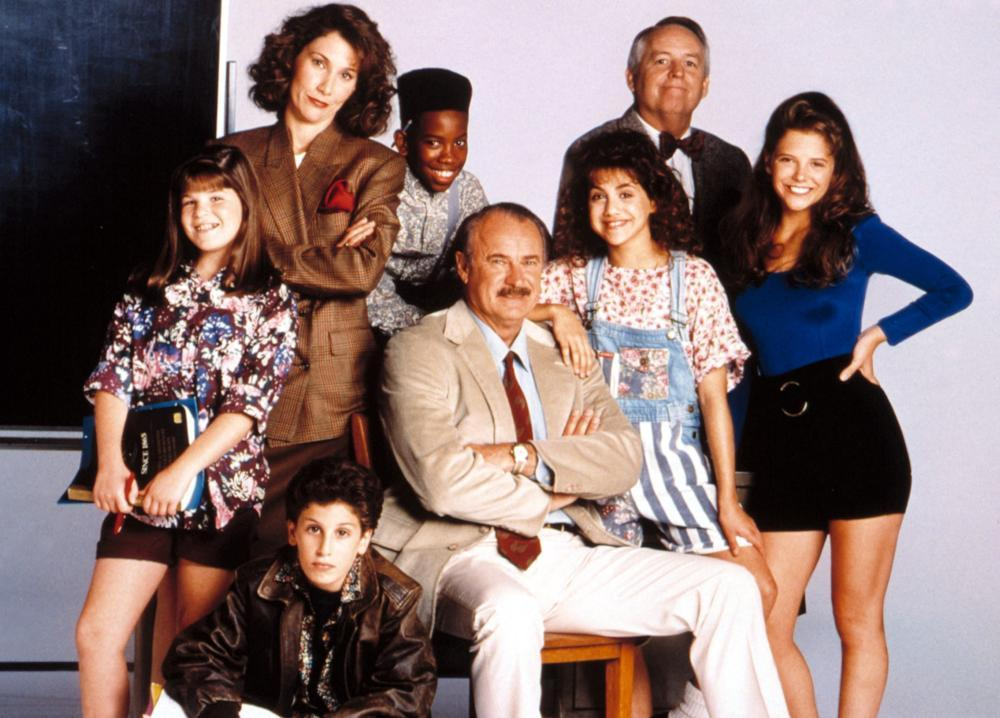 DREXELL'S CLASS, (l to r) unknown, Jason Biggs (seated lower), Edie McClurg (standing), unknown, Dabney Coleman, Brittany Murphy, unknown (male standing), A.J. Langer, 1991