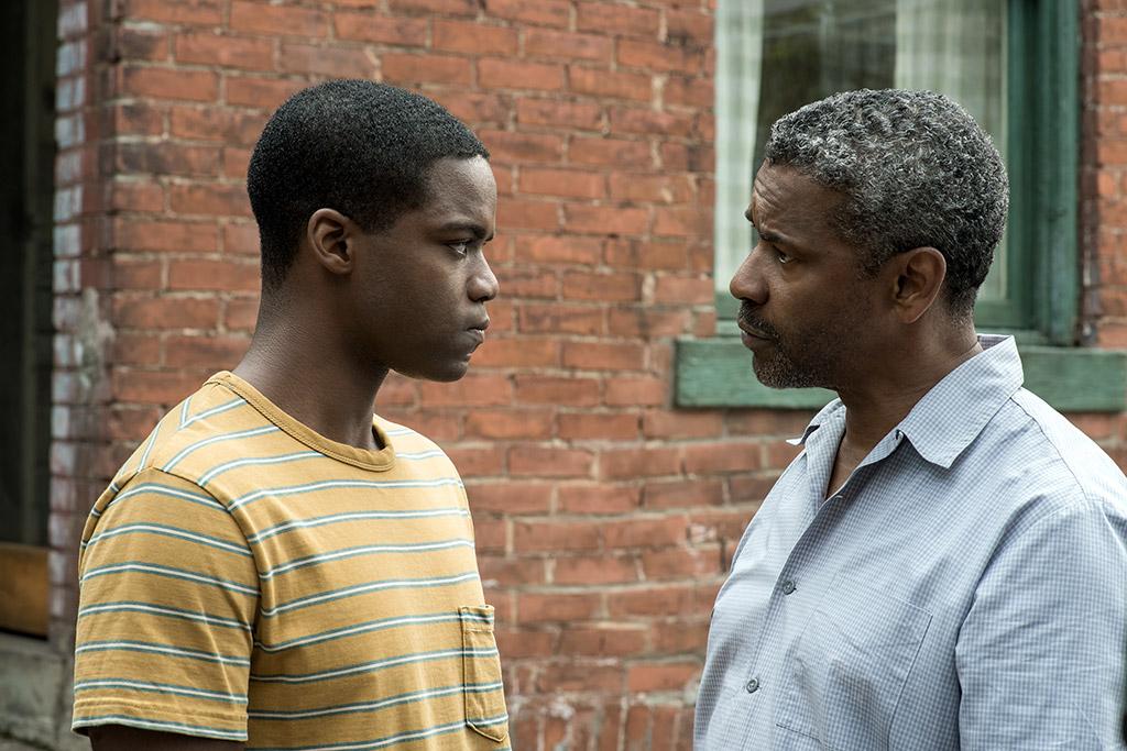 Jovan Adepo and Denzel Washington in Fences (2016)
