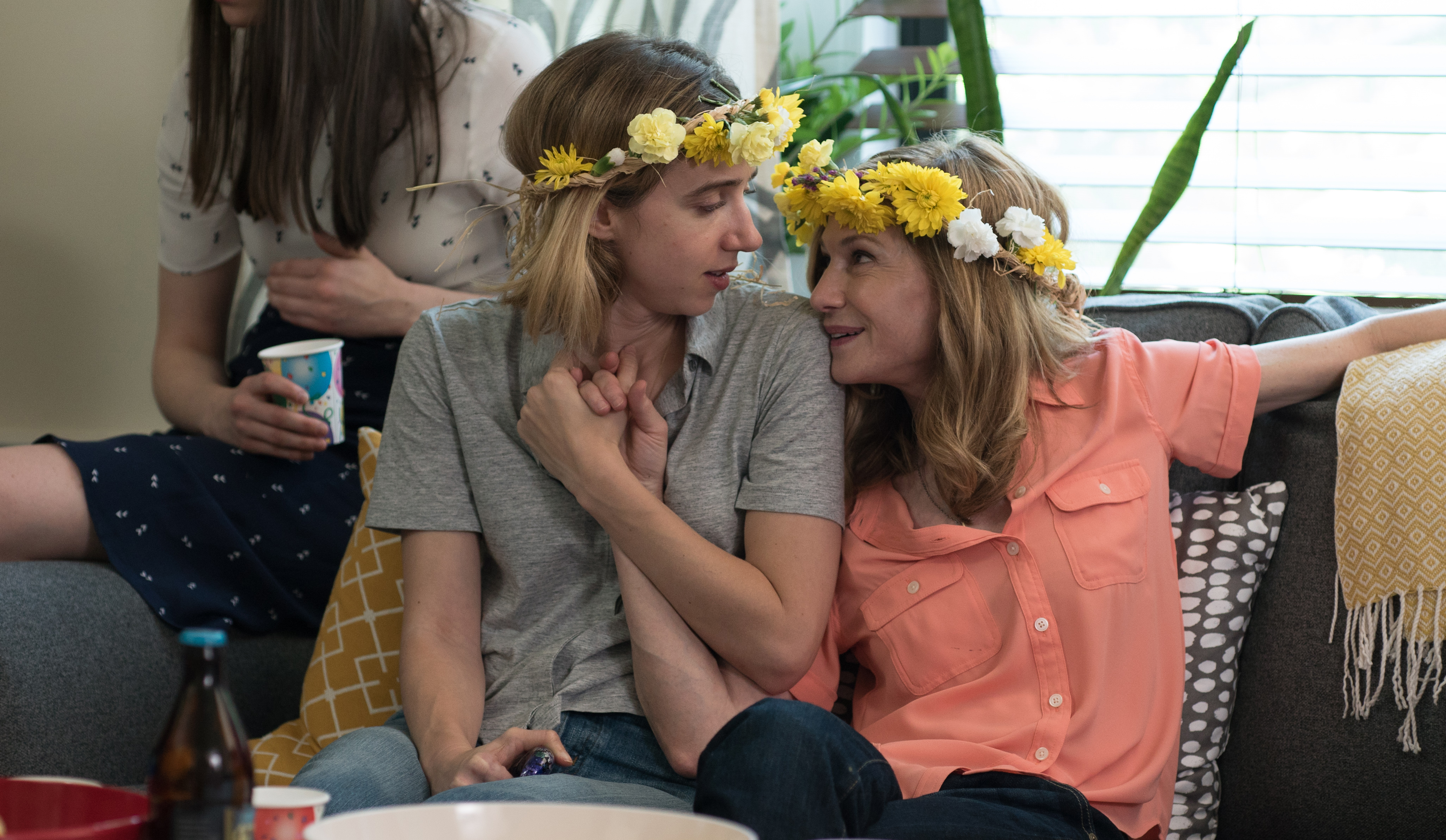 """Zoe Kazan as """"Emily"""" and Holly Hunter as """"Beth"""" in THE BIG SICK. Photo by Nicole Rivelli."""
